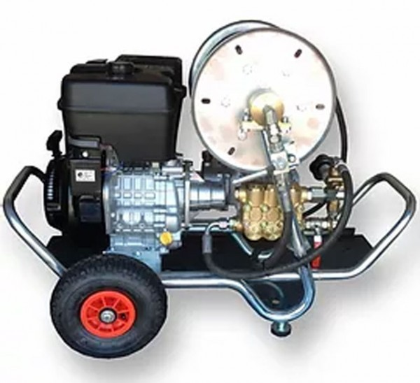 High pressure water jetter HD Kan 100/40 for drain cleaning